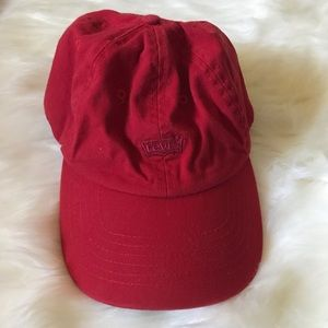 RED LEVI HAT